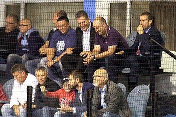 Miroslav Kováčik (vpravo hore) neskrýval po zápase spokojnosť.