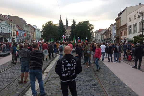 V centre Košíc sa zišli desiatky ľudí.