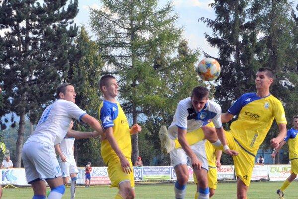 O jediný gól Fomatu sa postaral vydarenou hlavičkou Ch. Chovanec.