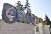 V nemocniciach zavádzajú zákaz návštev na lôžkových oddeleniach.