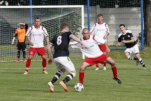 Jediný gól zápasu strelil Vratislav Gajdoš (s loptou, č. 8).