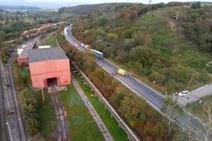 Zrážka kamióna s autom na Lučeneckej ceste vo Zvolene.
