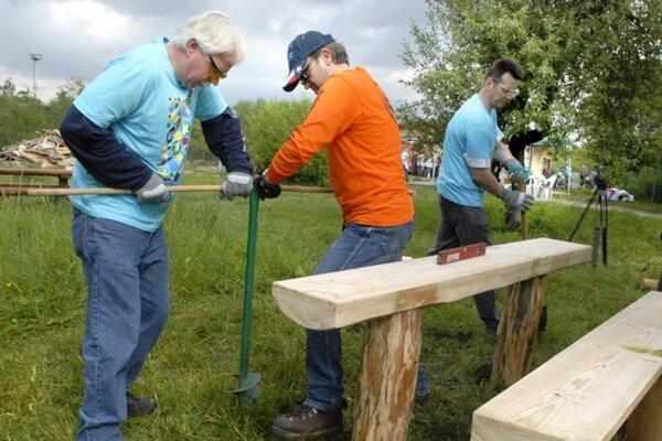 Hutníci sa zapájajú do dobrovoľníckych činností už vyše desať rokov.