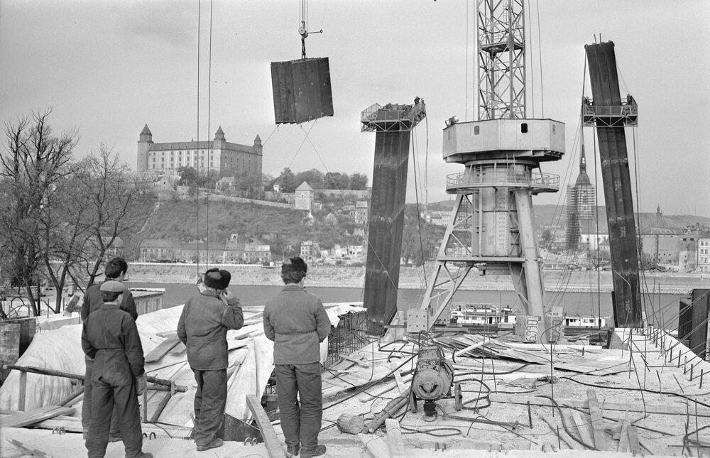 November 1969. Pracovníci z Hutných montáží Ostrava.