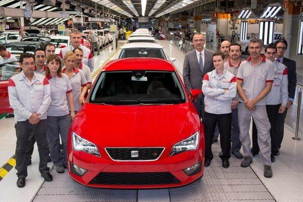 Predaj nového Leonu začne koncom novembra s bohatou ponukou motorov.