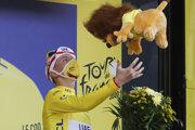 Tadej Pogačar vyhrá Tour de France 2020.