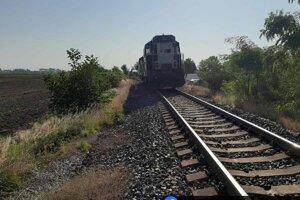 Nehoda na nechránenom železničnom priecestí má tragický výsledok.
