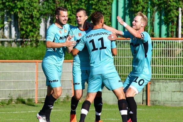 Gólová radosť futbalistov z Lehoty pod Vtáčnikom.