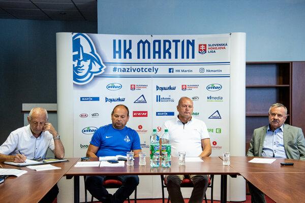 Vedenie HK Martin diskutovalo spredstaviteľmi mesta  omožnej podpore hokeja.