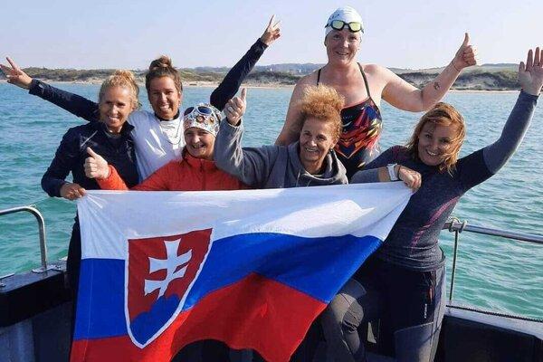Slovenská ženská štafeta, ktorá pokorila kanál La Manche.