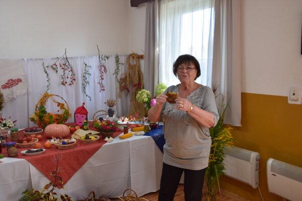 Klub seniorov v Tomčanoch pripravil výstavu z plodov a výpestkov tohtoročnej úrody. A piekli sa aj placky.