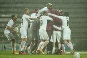Futbalisti AC Miláno sa radujú z postupu.