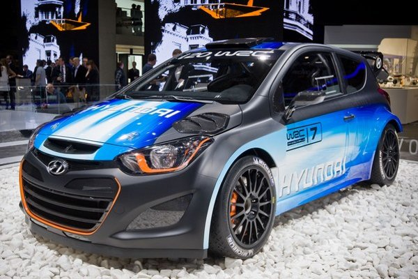 Hyundai dovezie do svojej expozície prototyp pretekárskeho špeciálu i20 WRC v hodnote 350 000 eur. Rozhodne pôjde o najrýchlejšie a najdrahšie malé auto autosalónu.
