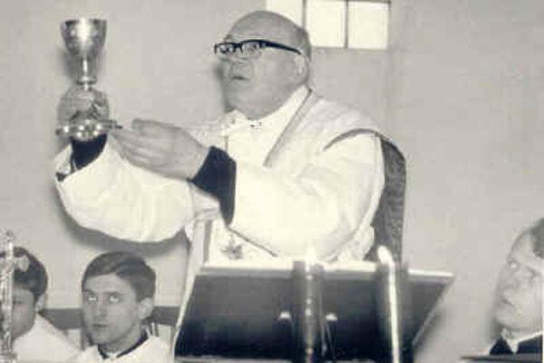 Kňaz Štefan Šmálik v tvrdošínskej farnosti.