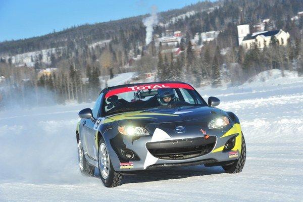 Zatiaľ vrcholným zážitkom s Mazdou MX-5 boli preteky na zamrznutom jazere vo Švédsku. Jazda s otvoreným roadsterom pri -30 stupňoch má svoje čaro.