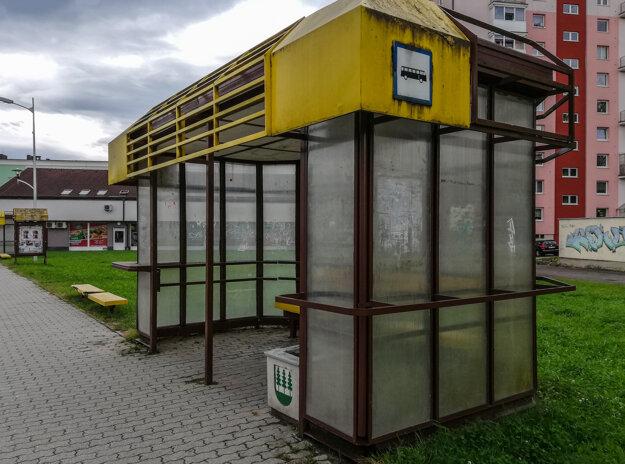 Autobusové zastávky majú mať jednotný štýl.