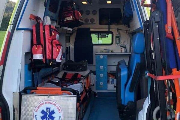Sanitné vozidlo je pre dobrovoľných hasičov dobrým pomocníkom.