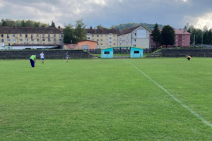 Futbalový trávnik v Snine bude zavlažovať automatika.