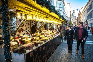 Vianočné trhy vo väčšine miest po celej Európe rušia, výnimkou nie je ani východ Slovenska.