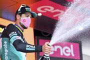 Peter Sagan sa raduje z víťazstva v 10. etape na Giro d'Italia 2020.