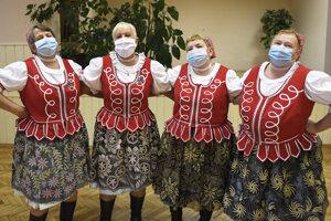 Spevácka skupina Odvážne ženy z Vyšnej Myšle.