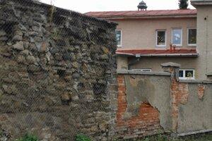 Mestský múr na Baštovej ulici v Kežmarku.