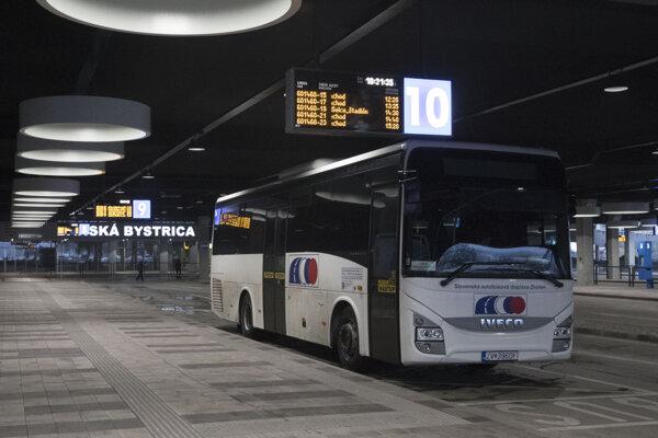 Priestory autobusovej stanice v Banskej Bystrici.