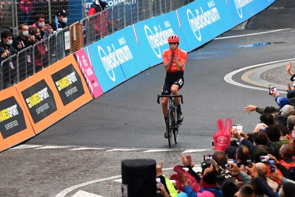 Josef Černý z tímu CCC pri výhre v 19. etape Giro d'Italia.