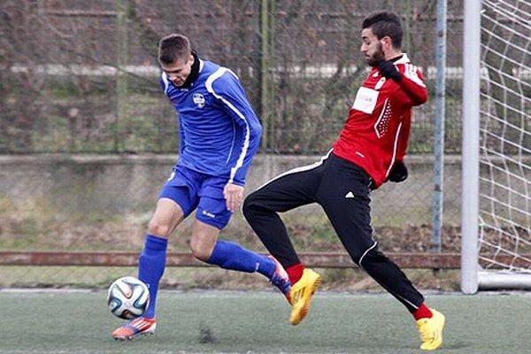 Druhý gól Nitry strelil Andrej Ivančík (vľavo).