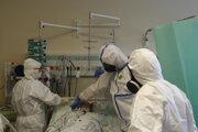 Zdravotníci v nemocnici v Kyjove.