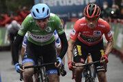 Primož Roglič (vpravo) na Vuelta a Espaňa 2020.