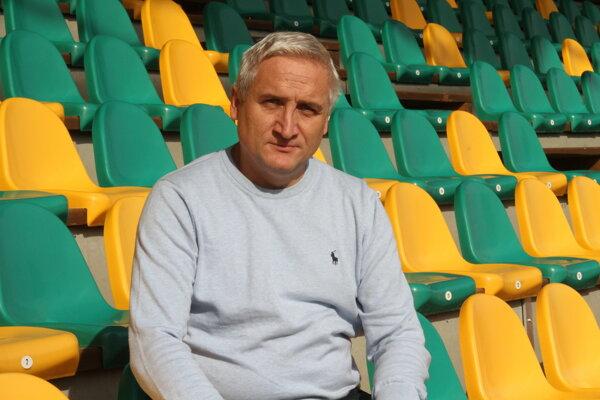 Robert Šuník je deväť rokov šéfom futbalu v Prievidzi.