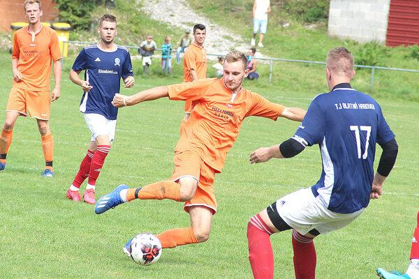 Marcel Kunocha (pri lopte) strelil na jeseň 13 gólov.