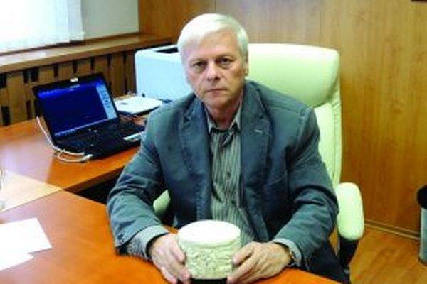 Dnešný starosta Ćiernych Kľačian Milan Švec bol tiež jedným z nálezcov pyxidy.