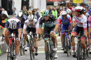 Pascal Ackermann (v strede) na Vuelta a Espaňa 2020.