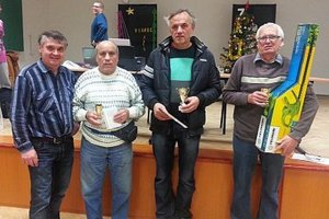 Zľava organizátor Peter Gajdoš a traja najlepší: Ján Turánek, Miloš Kollár a Pavol Barcík.