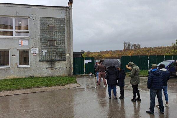 Testovanie na sídlisku Dúžavská cesta v Rimavskej Sobote.