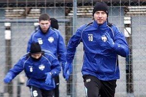 Futbalisti po sviatkoch a dňoch voľna nastúpili do tréningového režimu 7. januára.