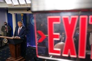 Donald Trump odchádzajúci.