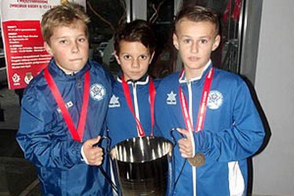 Trio zo Zlatých Moraviec - zľava Patrik Richter, Adam Šútor a Marek Švec.