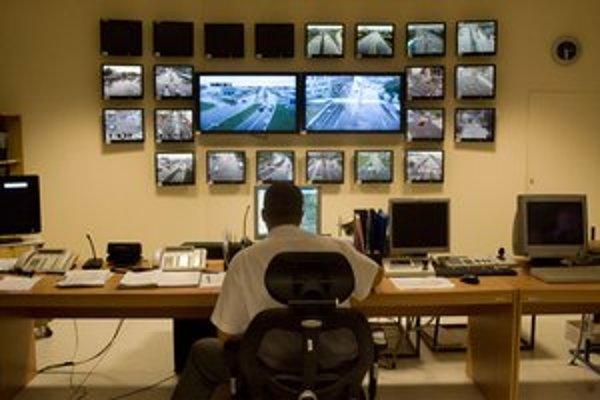 Inteligentný systém vysvetľovali ako riadiacie centrum s množstvom obrazoviek.