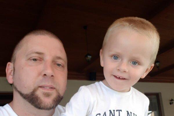 Peter Hurtaj so svojim synčekom - Maxom.