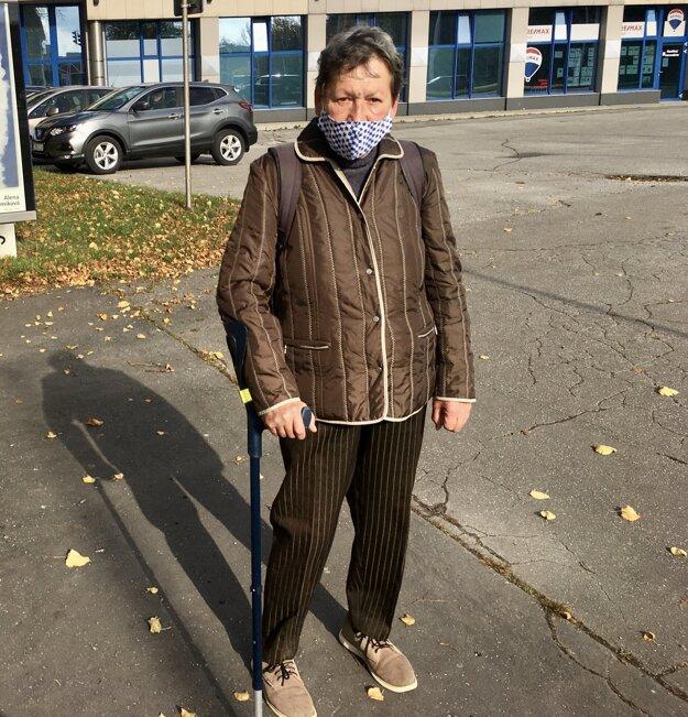 Dôchodkyňa Magdaléna Boďová sa sem tam rada prejde po obed.