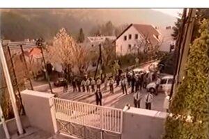 Pre Mečiara si v roku 2000 policajti prišli do vily Elektra.