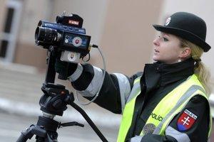 V Nemecku chcú legalizovať pasívne antiradary, ktoré by pomohli vodičovi odhaliť policajný radar.
