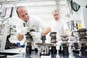 Prevodovku DSG označenú ako DQ200 vyrábajú od pondelka v Českej Republike.