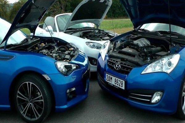 Motory vpredu ale pohon zadných kolies. To majú tieto tri autá spoločné. A ešte zábavu za volantom.