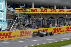 Lewis Hamilton vyhral VC Turecka 2020.