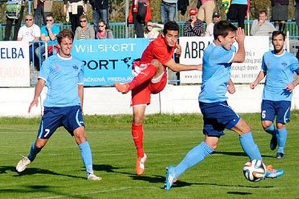 Matúš Paukner (vľavo) otváral skóre zápasu Sereď - FC Nitra (1:2).