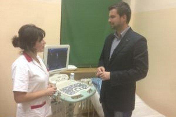 Kardiologička Margita Pirošová a riaditeľ nemocnice Martin Cimrák chystajú kardiologickú ambulanciu, ktorá sa má otvoriť od novembra.